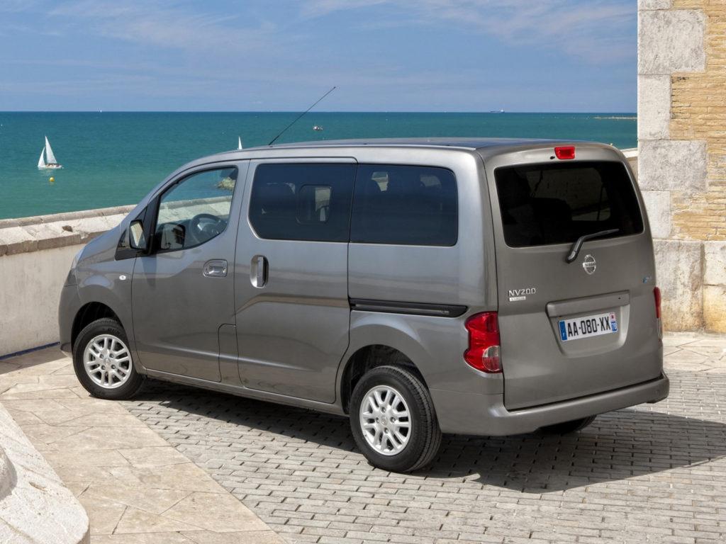 Nissan NV200 2010 года выпуска