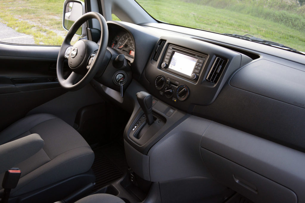 Интерьер Nissan NV200