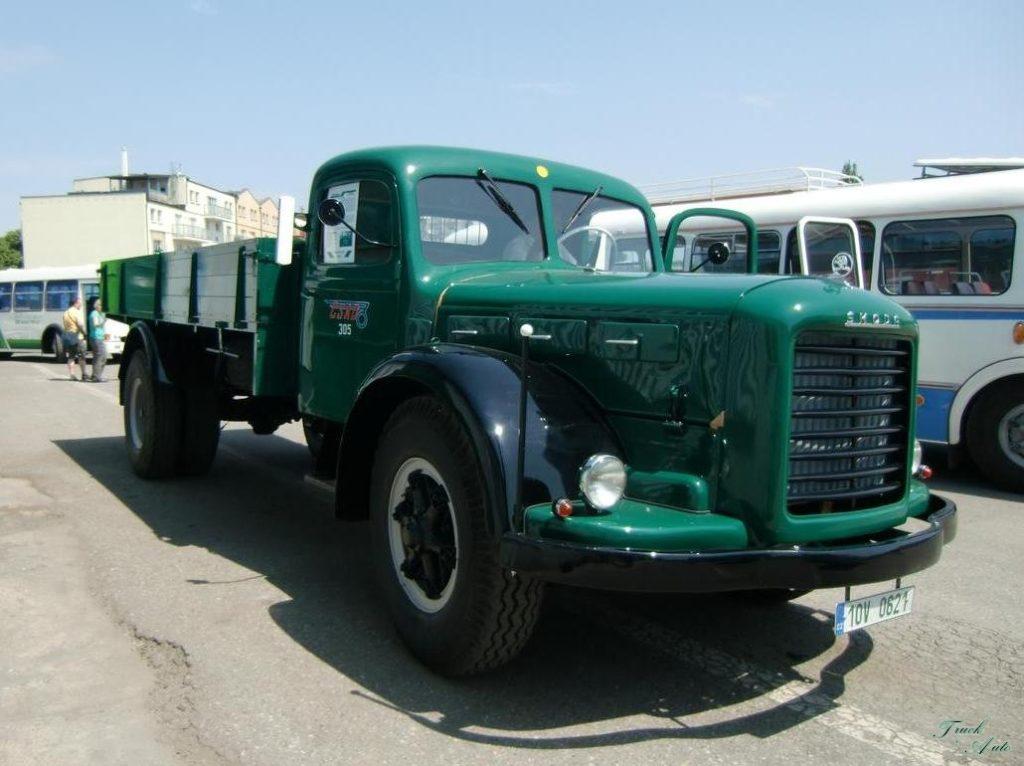 Первая модель марки Авиа - грузовик Skoda-706R