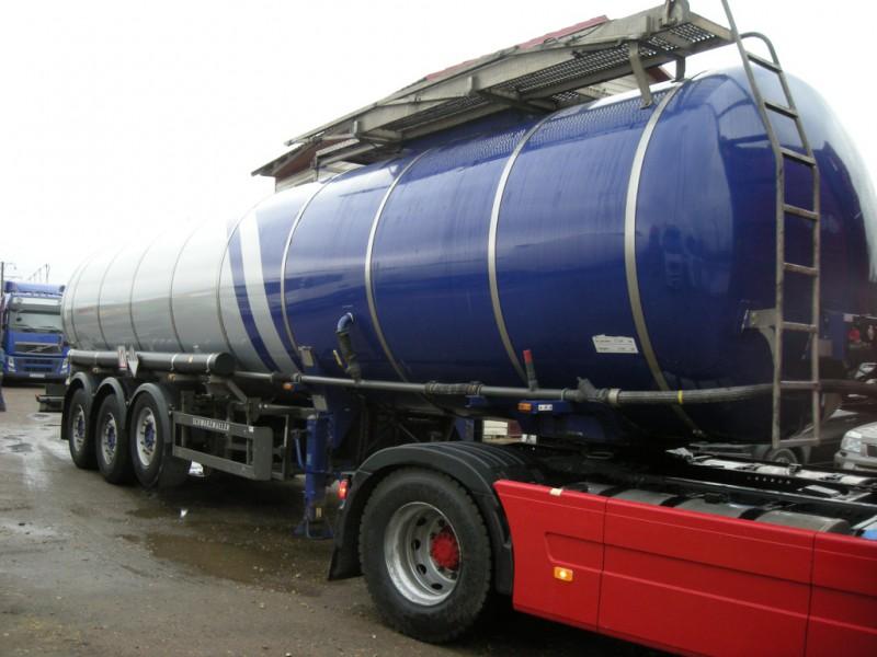 Цистерна для перевозки тёмных нефтепродуктов