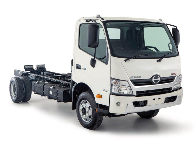 Hino 300 - малотоннажный грузовик