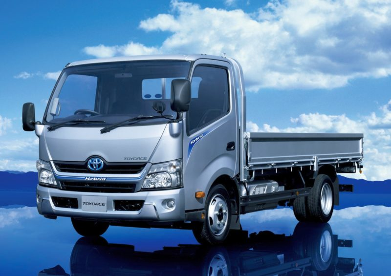 Toyota_ToyoAce_2011