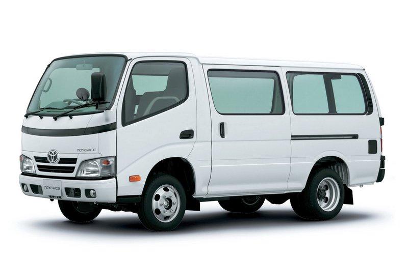 Toyota_ToyoAce_Van gruzopass_2006