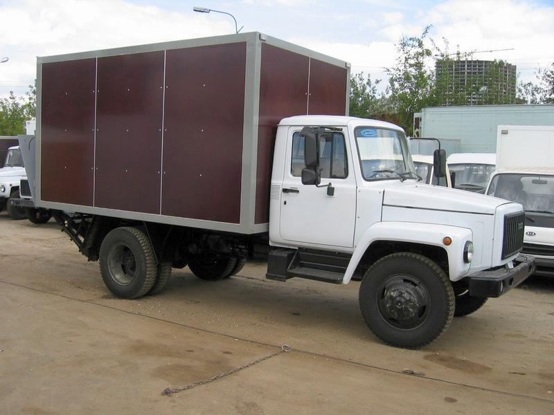 Модель 3307, заменила ГАЗ-52, выпускается с 1990 года